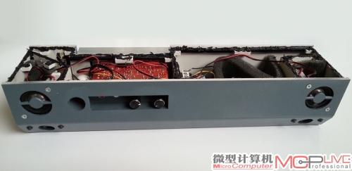 将喇叭和电路板安置在箱体内的效果